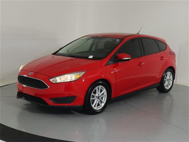 Pre-Owned 2015 Ford Focus 5dr HB SE