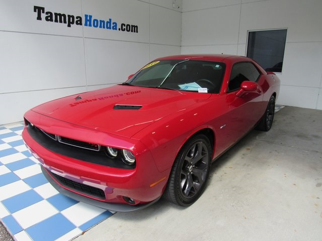 Pre-Owned 2017 Dodge Challenger R/T
