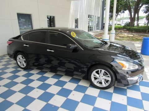 Pre-Owned 2013 Nissan Altima 2.5 SV