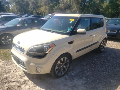 Pre-Owned 2012 Kia Soul Exclaim